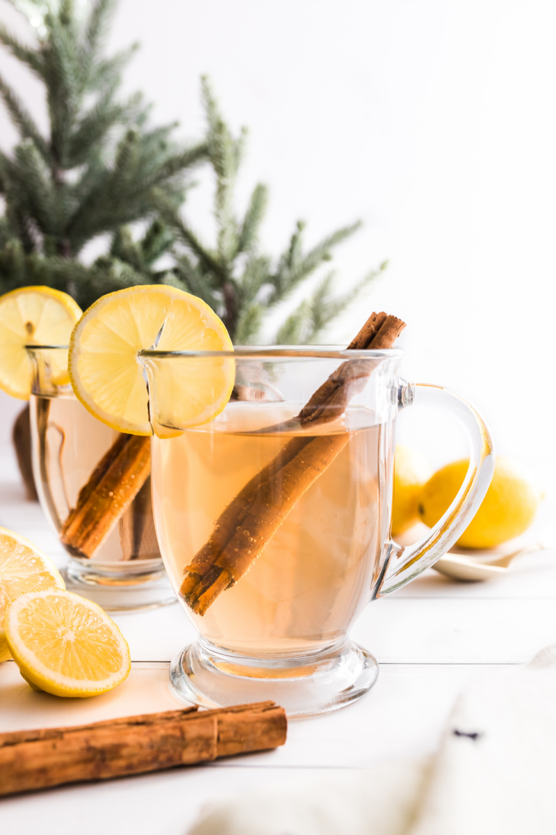 glass mugs with hot toddies