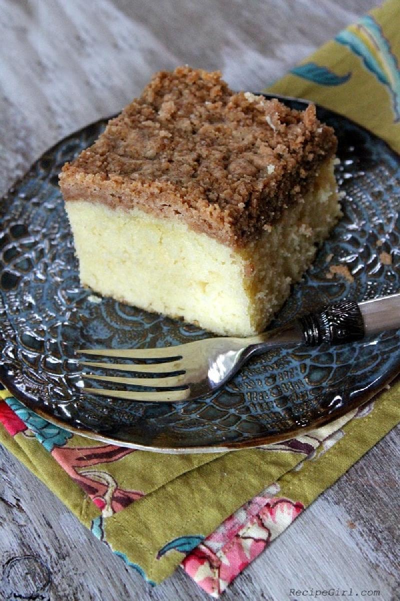 slice of classic crumb coffee cake