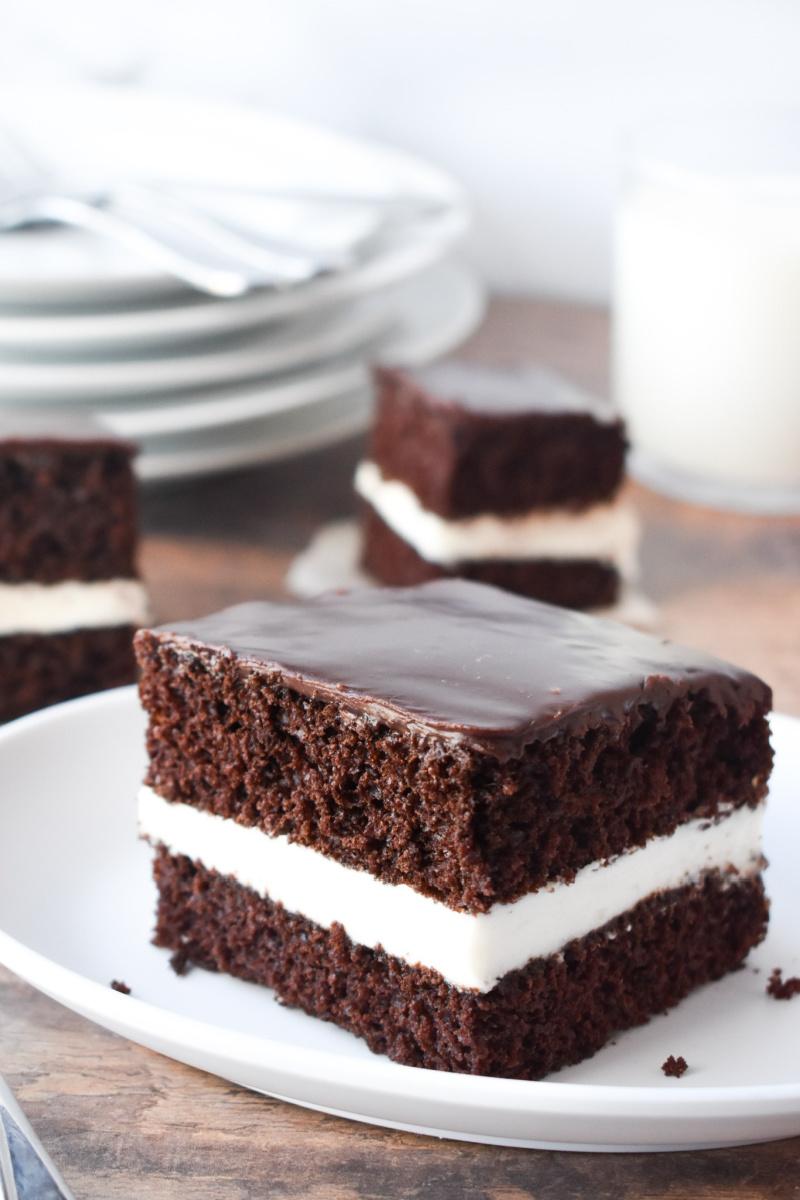 ding dong cake slice