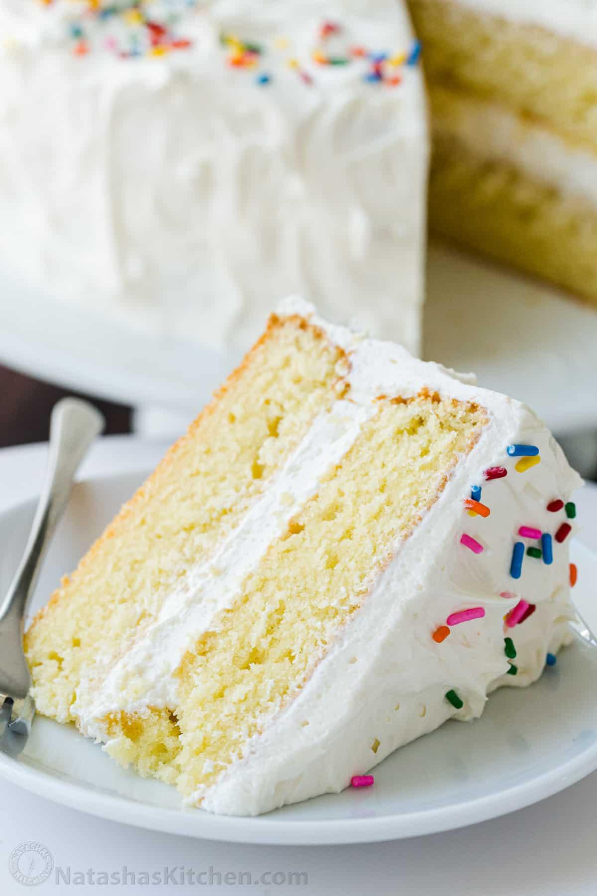 vanilla cake white frosting slice