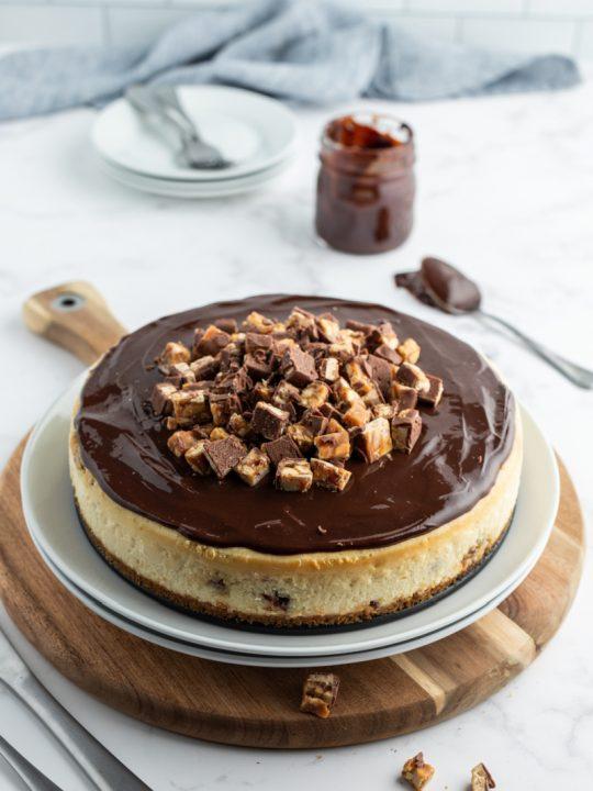 white chocolate snickers cheesecake