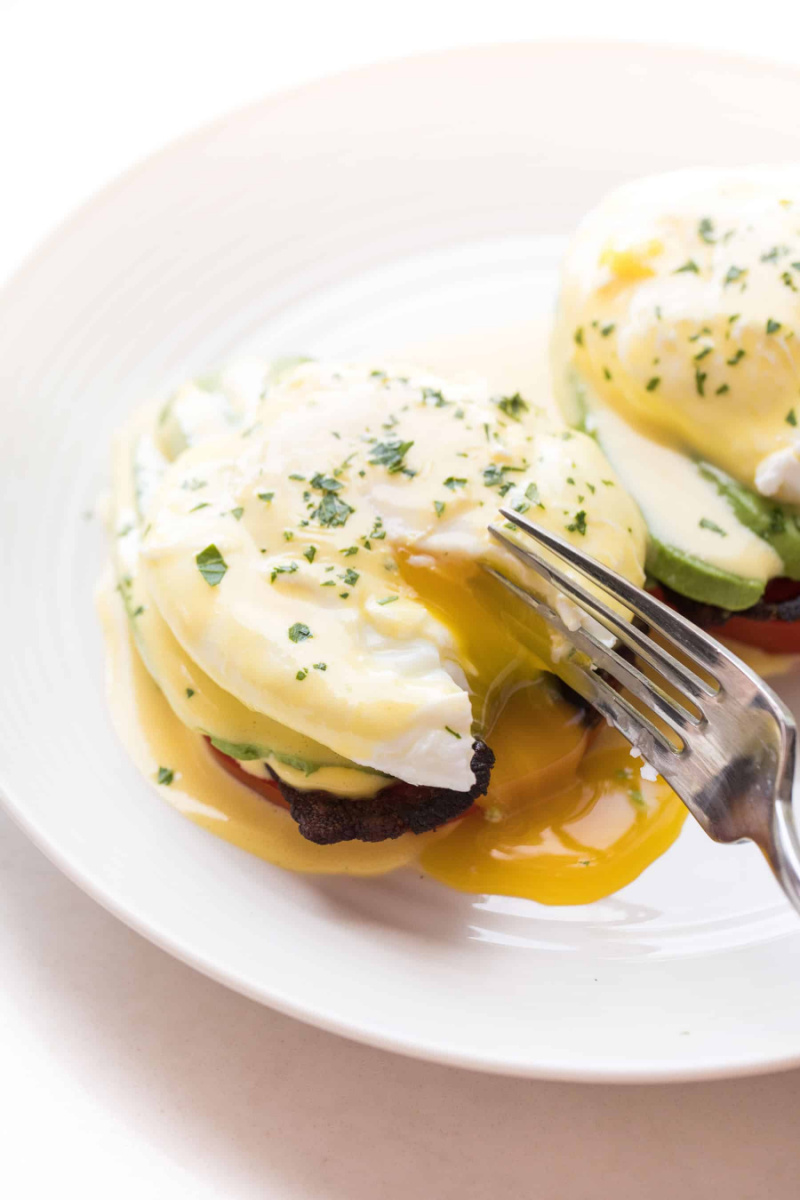 whole 30 keto eggs benedict