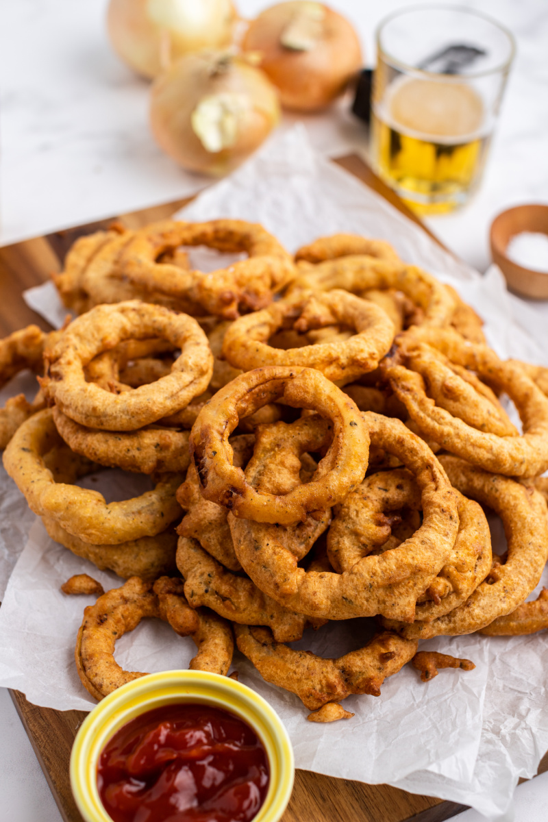 pile of beer battered onion rings