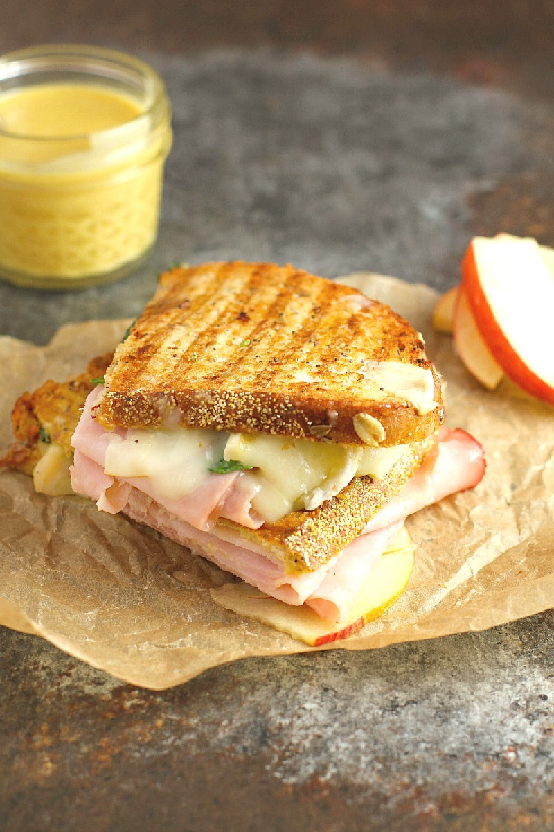 ham brie apple and spinach panini