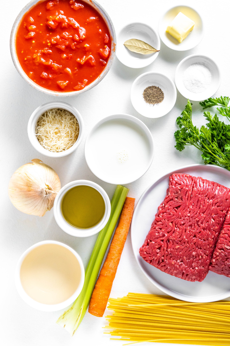 ingredients displayed for linguine with bolognese sauce