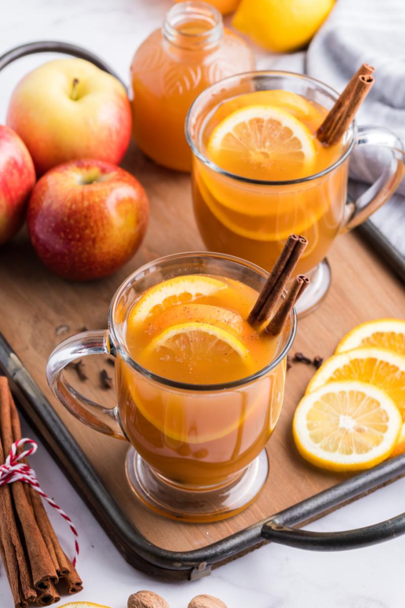mulled cider in mugs